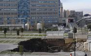 Ιταλία: Άνοιξε πελώρια τρύπα 20 μ. μπροστά σε νοσοκομείο