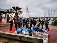Πάτρα: 62 σακούλες σκουπιδιών μαζεύτηκαν από Μαρίνα μέχρι Καρνάγιο