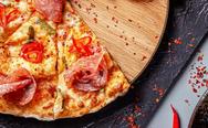 Light πίτσα με ζύμη από τορτίγια