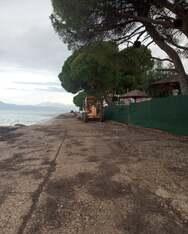 Πάτρα: Kαθαρισμός της παραλιακής στο Μονοδένδρι (φωτο)