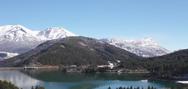 Ένα ταξίδι στα χιονισμένα Τρίκαλα Κορινθίας και τη Λίμνη Δόξα