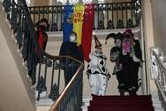 'Άρωμα' καρναβαλιού στο κέντρο της Πάτρας - Παραδόθηκε το λάβαρο στο Δημαρχείο (φωτο)