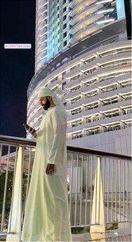 Στο Ντουμπάι και ο Σαρμπέλ (φωτο)