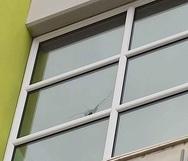 Αποκλειστικό: Οι σφαίρες από το φονικό επεισόδιο τρύπησαν τα τζάμια εταιρείας