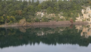 Η μαγική λίμνη Ζηρού που κάποτε ήταν σπήλαιο που κατέρρευσε (video)