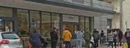 «Ουρές» έξω από τα σούπερ μάρκετ στο κέντρο της Πάτρας