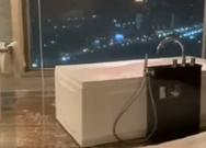 Όταν θες να απολαύσεις το μπάνιο σου αλλά ξαφνικά γίνεται ισχυρός σεισμός (video)