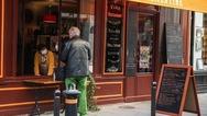 Η ανασφάλεια της πανδημίας αυξάνει την κατανάλωση αλκοόλ