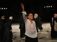 Όταν ο Δημήτρης Λιγνάδης έπαιζε στο κατάμεστο από κόσμο Ρωμαϊκό Ωδείο της Πάτρας