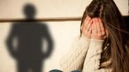 Η κυβέρνηση μελετά πρόταση του Καραγκούνη για βιασμό ανηλίκου
