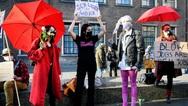 Οι εργαζόμενες του σεξ ζητούν να επιστρέψουν στην δουλειά τους παρά το lockdown στην Ολλανδία