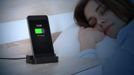 Αν φορτίζεις το κινητό δίπλα σου όταν κοιμάσαι πρέπει να σταματήσεις αμέσως