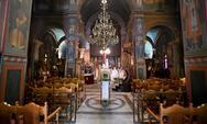 Πάτρα: Πρώτοι Χαιρετισμοί με κενές εκκλησίες και ατομική προσευχή για τους πιστούς