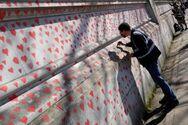 Βρετανία - Κορωνοϊός: Συγγενείς θυμάτων της πανδημίας ζωγραφίζουν 150.000 καρδιές