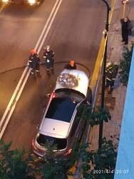 Πάτρα: Φωτιά σε αυτοκίνητο στην οδό Παπαφλέσσα (φωτο)