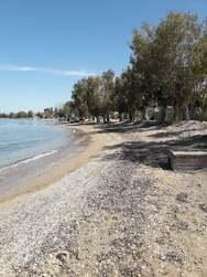 Βραχνέικα: Εικόνες θάλασσας με άρωμα άνοιξης