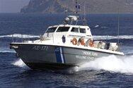 Κέρκυρα: Παράτησαν 17 μετανάστες σε κλεμμένο σκάφος