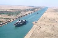 Αίγυπτος - Ζητά αποζημίωση 900 εκατομμυρίων δολαρίων για τον αποκλεισμό της Διώρυγας του Σουέζ