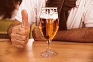 Μπαρ σε Δανία: Με μια μπίρα και ένα… τεστ Covid δώρο