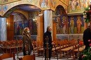 Πάτρα: Αυξημένη η προσέλευση των πιστών στους ναούς - Πλησιάζουμε στην κορυφή του Θείου Δράματος