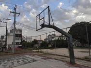 Πάτρα - Το γηπεδάκι μπάσκετ στην πλατεία που έγινε αλάνα (φωτο)