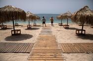 Lockdown: Πότε ανοίγουν παραλίες, φροντιστήρια και δικαστήρια