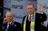 Τουρκία: Πτώση στη δημοτικότητα του κόμματος του Ερντογάν σύμφωνα με δημοσκόπηση