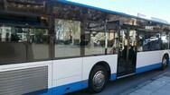 Έσπασαν στο ξύλο και λήστεψαν οδηγό λεωφορείου στη Βουλιαγμένης