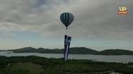 Η συγκλονιστική έπαρση της μεγαλύτερης Ελληνικής σημαίας στον κόσμο με αερόστατο (video)
