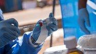 Μελέτη ΕΚΠΑ - Κορωνοϊός: Τι έδειξε για την αποτελεσματικότητα των εμβολίων της Pfizer και της AstraZeneca