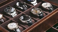 Tα μελλοντικά ζευγάρια επενδύουν σε «ρολόγια αρραβώνων»