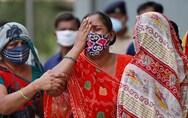Σαρώνει την Ινδία ο κορωνοϊός: 196.000 νέα κρούσματα