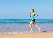 Τέσσερις απλοί τρόποι να γυμναστούμε στην θάλασσα