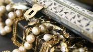 Αμπελόκηποι: Διέρρηξαν αποθήκη σπιτιού και άρπαξαν κοσμήματα αξίας 2 εκατ. ευρώ