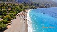Αχαΐα: 'Βουτιά' στην εντυπωσιακή παραλία της Εγκάλης (video)