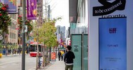 Bloomberg: Ο Καναδάς χαλαρώνει τα μέτρα σε όσους έχουν εμβολιαστεί κατά του κορωνοϊού