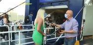 Ξεσπά η ταξιδιώτισσα που έγινε viral από ρεπορτάζ του ΣΚΑΙ - «Έχω υποστεί ψυχικό βιασμό, παθαίνω κρίσεις πανικού»