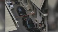 Η ΕΛΑΣ πολιορκεί σπίτι βιαστή στα Πετράλωνα - Κάλεσε 50χρονη να του καθαρίσει το σπίτι και της επιτέθηκε