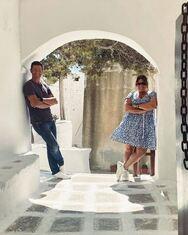 Δανάη Μπάρκα: Εκδρομή στην Εύβοια με τον Απόστολο Ρουβά