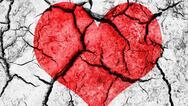 Επιστήμονες κατάφεραν να βρουν πώς οι άνθρωποι πεθαίνουν από το σύνδρομο ραγισμένης καρδιάς