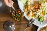 Οι τροφές που δεν ταιριάζουν με τον καύσωνα