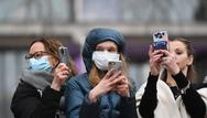 Βρετανία - Κορωνοϊός: «Τέλος» μπαίνει στην υποχρεωτική χρήση μάσκας εντός του μήνα