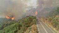 Φωτιές σε Βαρνάβα και Ελευσίνα