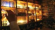Κρήτη: Λουκέτο σε οκτώ μπαρ που εξυπηρετούσαν όρθιους πελάτες