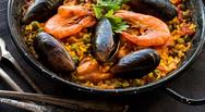 Μαγειρέψτε παέγια θαλασσινών