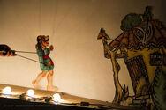 Ο Καραγκιόζης λέει τις ιστορίες του σε διάφορες περιοχές της Πάτρας