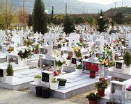 Πάτρα: Βάνδαλοι προκάλεσαν ζημιές στο νεκροταφείο Σαραβαλίου