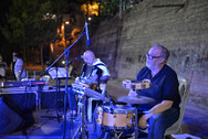 Με λαϊκό - ρεμπέτικους ήχους ξεκίνησε το μουσικό ταξίδι του Διεθνούς Φεστιβάλ στις γειτονιές της Πάτρας (φωτο)
