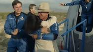 Τζεφ Μπέζος: Πήγε στο διάστημα και γύρισε μέσα σε 10 λεπτά και 18 δεύτερα