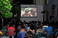 Κινητός Κινηματογράφος - Η ταινία «Η πηγήτων Γυναικών» μετέτρεψε το αίθριο του Παλαιού Νοσοκομείου σε… πηγή αγάπης για το γυναικείο φύλο